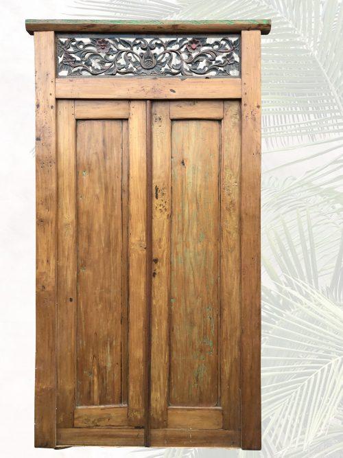 antike schlichte Tür