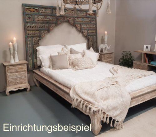 Wanddekoration über einem Bett
