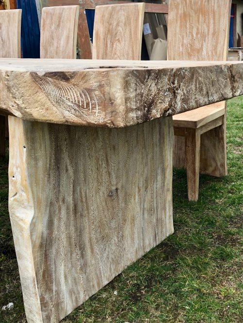 grosser Esstisch Massivholz mit 8 Stuehlen