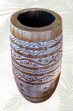 grosse handgeschnitzte Bodenvase Farbe Natur Weiss