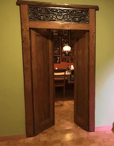 Kundenbild-Dari-Asia-antike-Tuer-Asmo-Privathaus