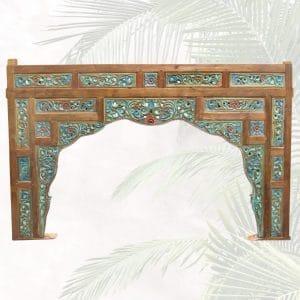 antike bettverzierung als tuerbogen oder deko