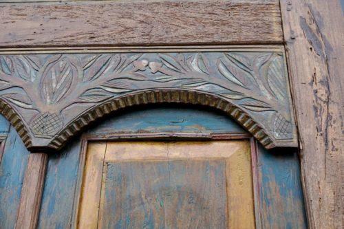 antike tuer utari blau