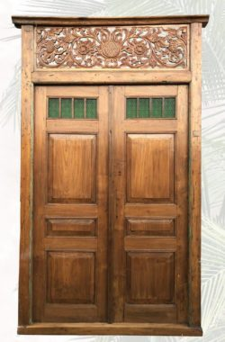 Iskandar antike Tuer mit Glaseinsatz